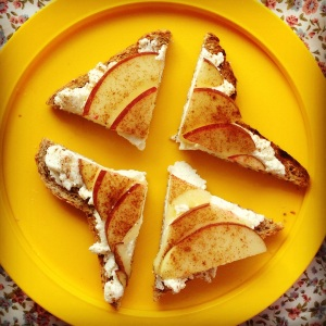 ricotta & cinnamon fruit toast