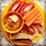 hummus w' pita chips