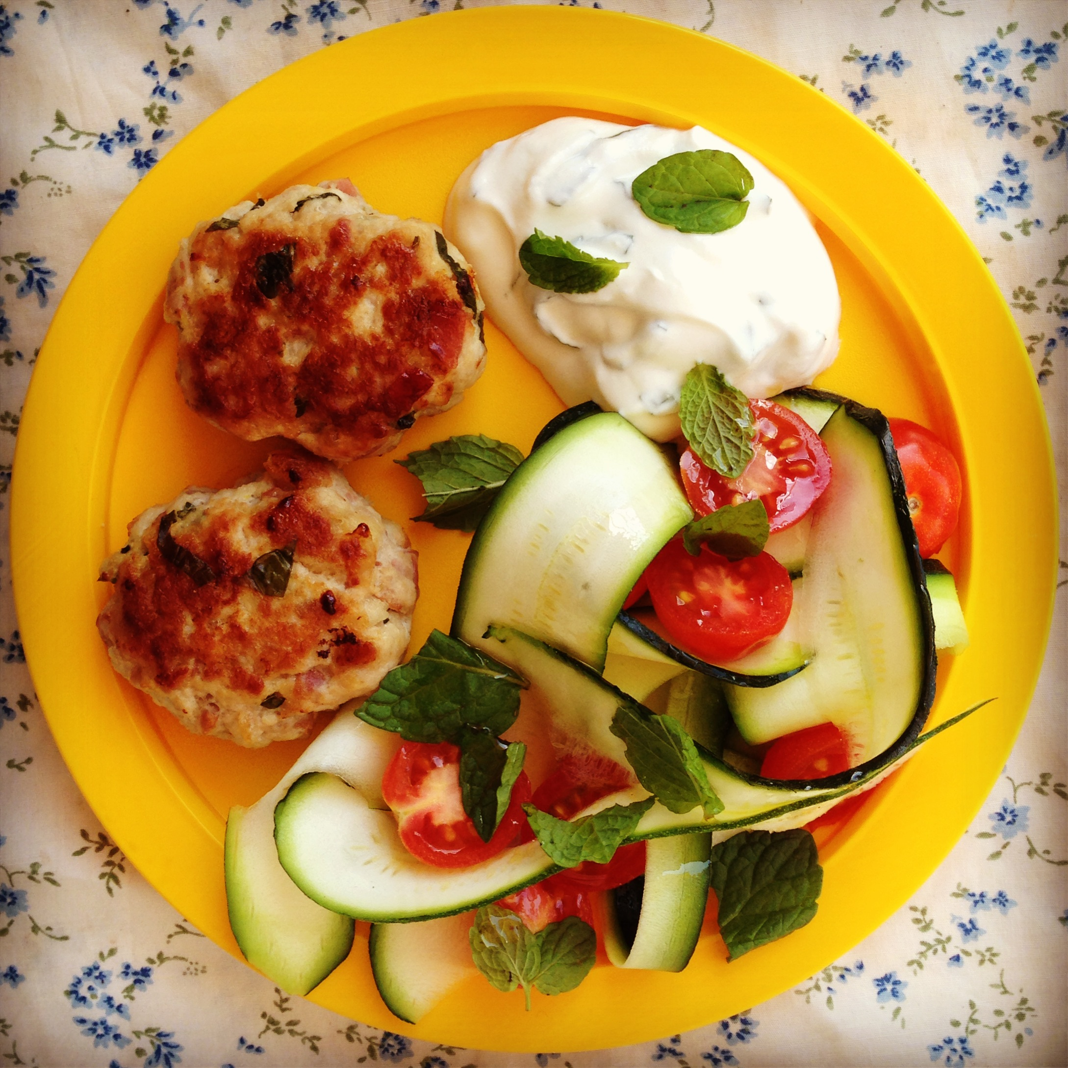 hot chicken cakes my lovely little lunch box. Black Bedroom Furniture Sets. Home Design Ideas