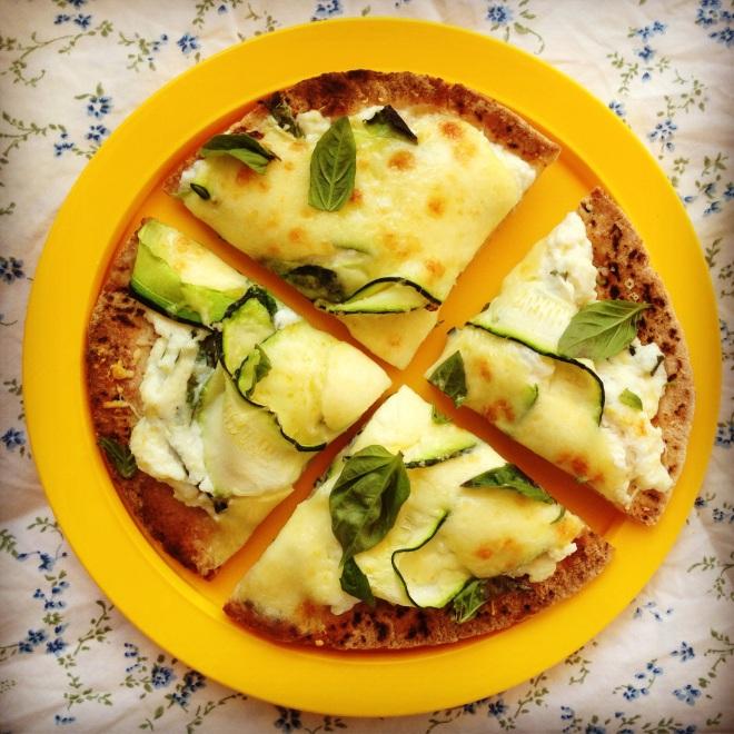 zucchini & ricotta pizza's