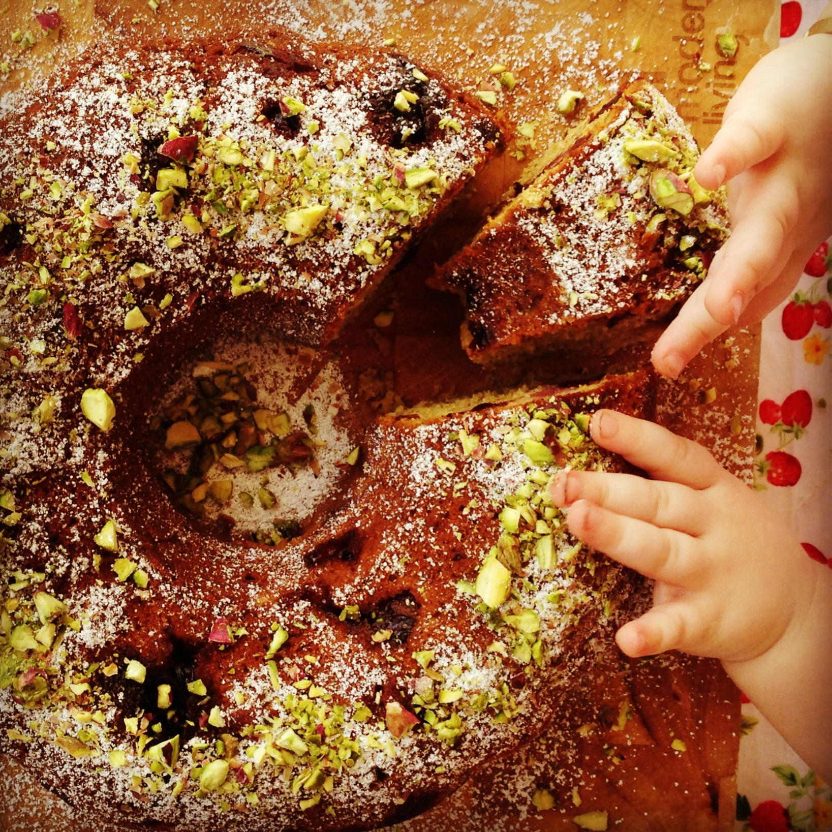 pistachio & cherry bundt cake | my lovely little lunch box