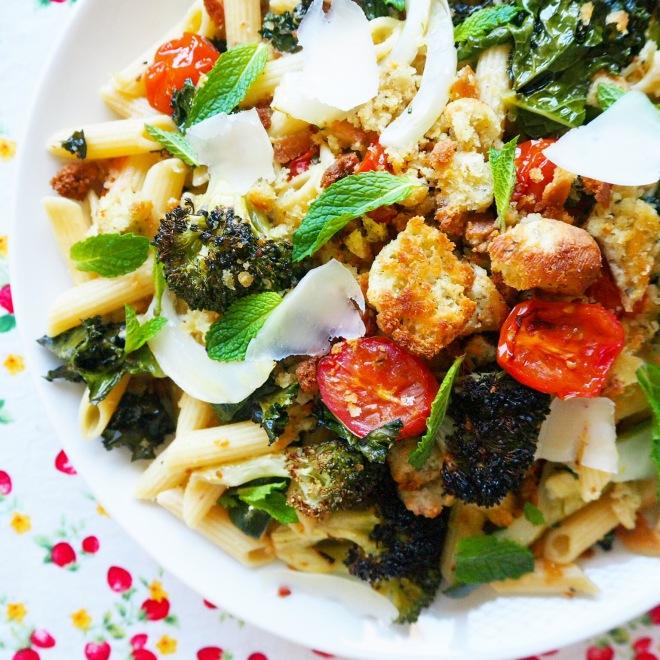 kale, broccoli & cherry tomato penne